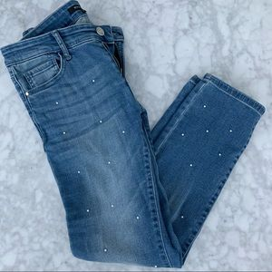 Blue jeans and pearl detail